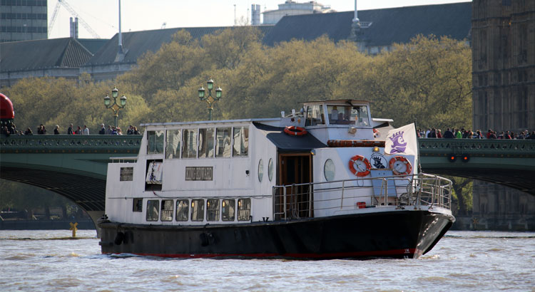 Battersea Park Fireworks Cruises | M.V King Edward | Viscount Cruises