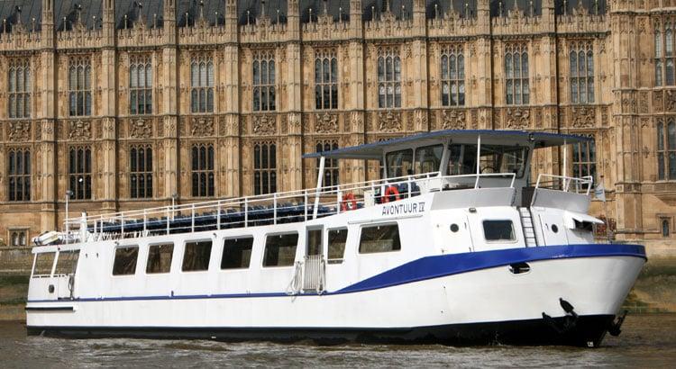 Battersea Park Fireworks Cruises | M.V Avontuur IV | Viscount Cruises